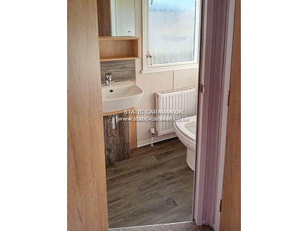Excellent Caravan For Hire At Lydstep BeachTenby To Rent In Tenby