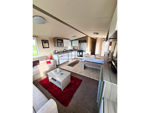 UK Private Static Caravan Holiday Hire at Tattershall Lakes, Lincolnshire