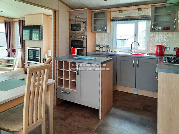 UK Private Static Caravan Holiday Hire at Manor Park, Hunstanton, Norfolk