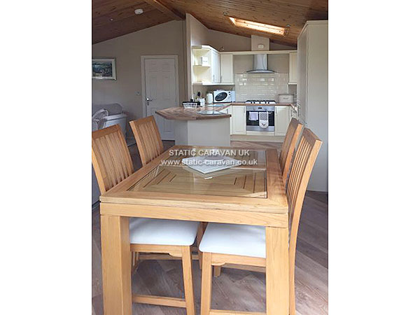 Simple  Static Caravan Holiday Hire At White Cross Bay Windermere Cumbria