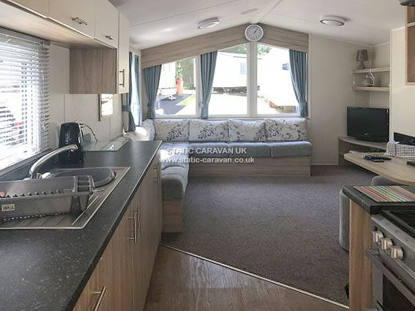 UK Private Static Caravan Holiday Hire at Marton Mere, Blackpool, Lancashire