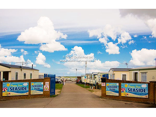 UK Private Static Caravan Holiday Hire at Happy Days Seaside Trusthorpe, Mablethorpe, Lincolnshire