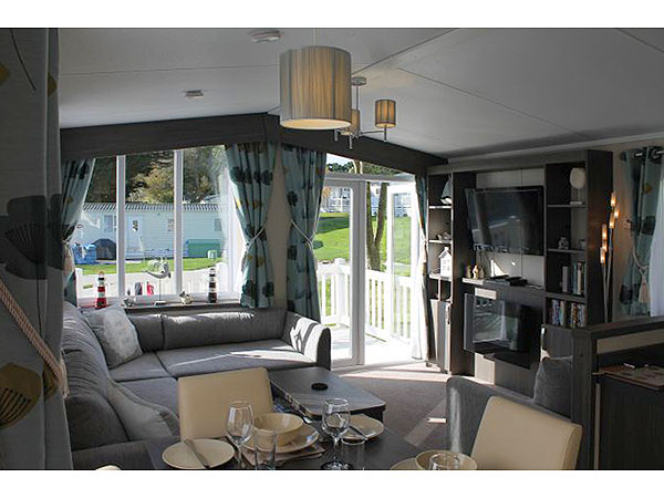 Model  Caravan Holiday Hire At Shorefield Country Park Milford On Sea