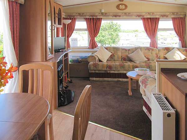 Beautiful Holiday Caravan For Hire In Weymouth