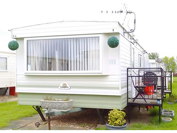 UK Private Static Caravan Holiday Hire at Happy Days Holiday Homes, Chapel St.Leonards, Lincolnshire
