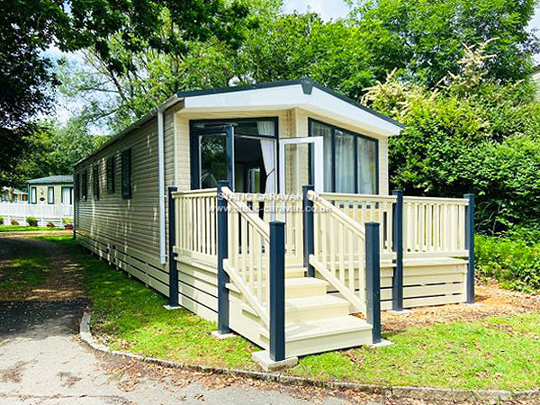 UK Private Static Caravan Holiday Hire at Shorefield Country Park, Milford on Sea, Hampshire