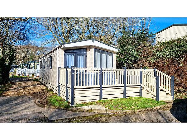 Wonderful  Caravan Holiday Hire At Shorefield Country Park Milford On Sea