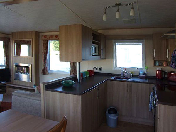 Innovative  Caravan Holiday Hire At Hoburne Cotswold Cirencester Gloucestershire