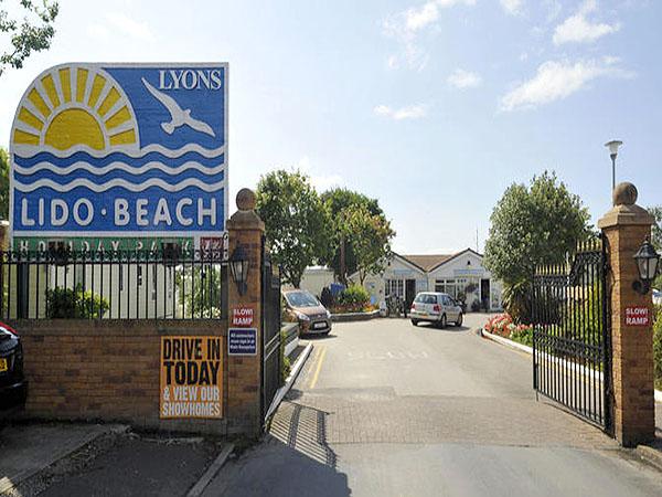 Caravan Hire Lido Beach Holiday Park