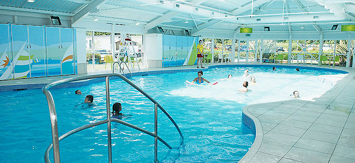 Weymouth bay static caravan holiday park hire - Holidays in dorset with swimming pool ...